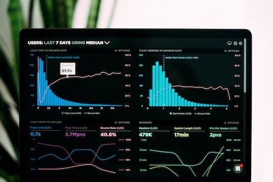 """Webinar """"Enfrentar os desafios de um Destino através de dados"""""""